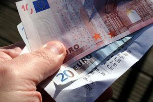 Geld: Fairen Handel ankurbeln (Foto: aboutpixel.de/Hans-Jörg Nisch)