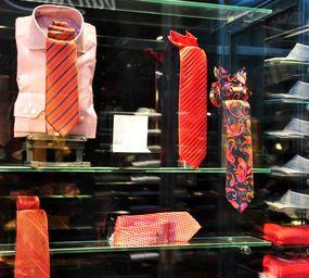 Kleidung: ermöglicht theoretisch Kundenüberwachung (Foto: pixelio.de, P. Smola)