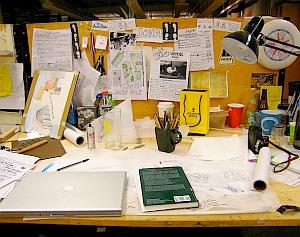 Chaos am schreibtisch l sst einfacher denken for Einfacher schreibtisch