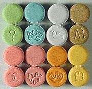 Ecstasy in Tablettenform: macht Menschen einfühlsamer (Foto: Universität Basel)