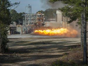 Triebwerks-Test: Klassiker für neue Ansätze (Foto: NASA MSFC/Emmett Given)