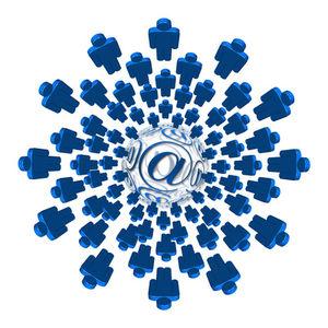 Internet: Twitter will an Boden gewinnen (Foto: pixelio.de, G. Altmann)