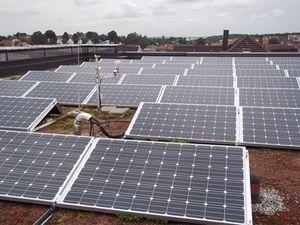Solaranlage: Forscher tüfteln an Effizienz (Foto: pixelio.de, SCHAU.MEDIA)