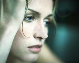 Homöopathie gegen den Winterblues (© David Laurens/PhotoAlto)