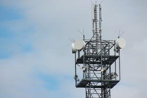 Funkmast: Abfrage tausender Handys möglich (Foto: pixelio.de/Uwe Schlick)