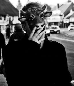 Kostümierter Mann: Peinlich für die Freunde? (Foto: flickr.com/James Temby)
