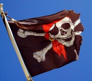 Piratenflagge: Filesharing-Tricks sollen helfen (Foto: Hofschlaeger/pixelio.de)