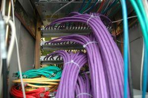 Netzwerk-Infrastruktur: womöglich angreifbar (Foto: H.P. Reichartz, pixelio.de)