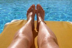 Beine in der Sonne: Kunden wissen oft zu wenig (Foto: pixelio.de, R. Eckstein)