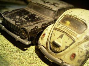 Fiat versus VW: Italiener preschen mit Rabatt vor (Foto: pixelio.de/KFM)