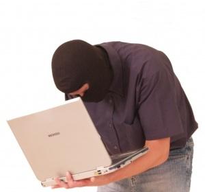 Computer-Krimineller: Er muss nicht viel können (Foto: tommyS, pixcelio.de)