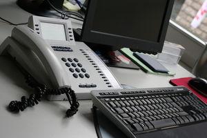 Büro: Mehr Stress, aber auch mehr Arbeitswille (Foto: Martin Moritz/pixelio.de)