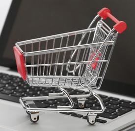 Online-Einkauf: E-Commerce stützt Handel weiter (Foto: pixelio.de, Tim Reckmann)