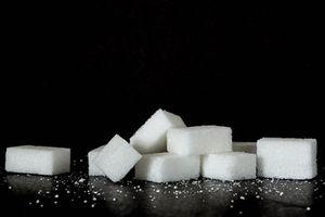 Zucker: steigert Allergierisiko bei Neugeborenen (Foto: Doris Jungo, pixelio.de)