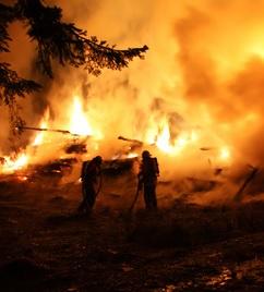 Brand außer Kontrolle: Events nehmen zu (Foto: pixelio.de, Hermann Schönhofer)
