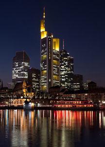 Frankfurt: eine beliebte Alternative (Foto: Sandro Almir Immanuel, pixelio.de)
