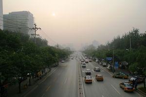 Smog in Peking: zusammen mit Klimawandel riskant (Foto: Uwe Molt/pixelio.de)