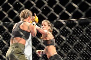 Kampf: Kopftreffer bei MMA sind häufig (Foto: MartialArtsNomad.com, flickr.com)