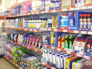 Waschmittel-Angebot: Teenager verspeisen Kapseln (Foto: siepmannH, pixelio.de)