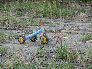 Kaputtes Spielzeug: Missbrauch brennt sich ein (Foto: pixelio.de,  Jörg Sabel)