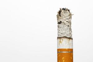 Zigarette: Gehör leidet sehr unter dem Qualm (Foto: pixelio.de, Tim Reckmann)
