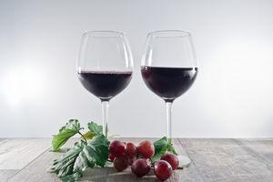 Wein: Kerne und Haut der Trauben nützlich (Foto: pixelio.de, Timo Klostermeier)