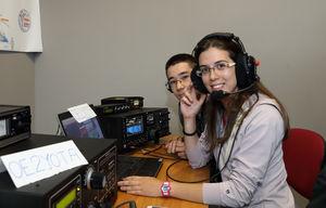 Funkamateure beim Funken (Foto: OEVSV)