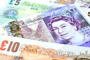 Pfund-Noten: Brexit wird viel Geld verschlingen (Foto: pixelio.de/awindi)