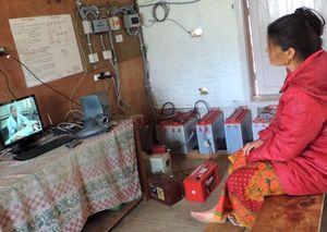 Frau in Nepal: Telemedizin hilft Betroffenen vor Ort (Foto: Rajan Parajuli)