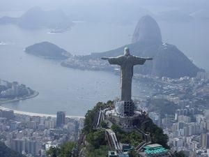 Friedenssymbol: Brasiliens Realität ist anders (Foto: Andrea45, pixabay.com)