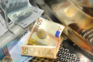 Geldwäsche: mehr Vorfälle in Deutschland (Foto: Uschi Dreiucker, pixelio.de)