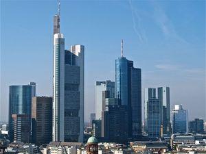 Frankfurt: konkurriert mit Paris um Vorherrschaft (Foto: Florentine, pixelio.de)