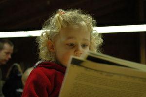 Kleinkind: Sprachentwicklung unterstützen (Foto: pixelio.de, Mike Frajese)