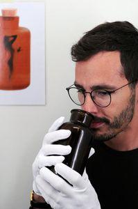 Schnüffelprobe: Manche Frauen riechen einfach besser (Foto: unibern.ch)
