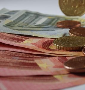 Geld: Verlangtes LBS-Kontoentgelt ist unzulässig (Foto: pixabay.de, NettPix)