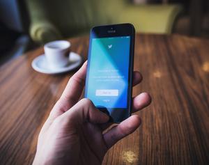 Handy und soziale Medien haben Suchtpotenzial (Foto: freestocks, unsplash.com)