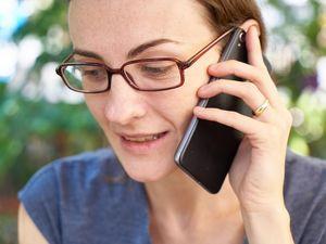 Telefongespräch: Facebook zahlt für Stimme (Foto: pixabay.com, Engin_Akyurt)