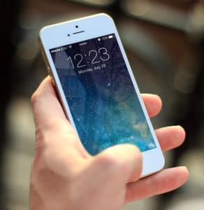Smartphone: Telekom gibt Behörde Daten (Foto: pixabay.com, JESHOOTS-com)