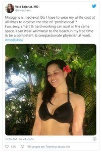 """Bikini-Protest: Ärztin im """"unprofessionellen"""" Look (Foto: Vera Bajarias/Twitter)"""