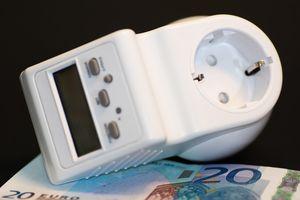Strom kostet Geld: Preise steigen weiter (Foto: pixabay.com, AlexanderStein)