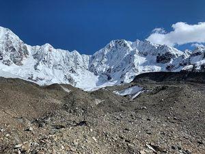 """24K Glacier"" in Kangri-Karpo-Bergen schmilzt langsam weg (Foto: Martin Kneib)"