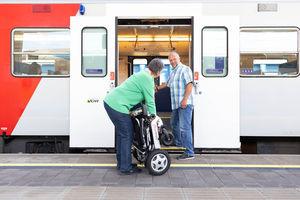 FreedomChair ist auch für Bahnreisen geeignet (Foto: Help-24 GmbH)