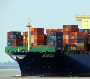 Containerschiff: Brände, Piraten und Hacker belasten (Foto: pixabay.com, 127071)