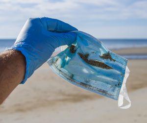Maske: schädliches Mikroplastik (Foto: Bryan Yurasits, unsplash.com)