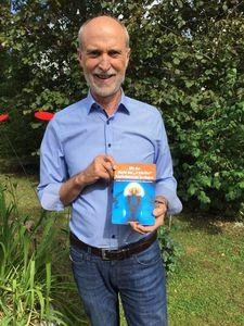 """Hilfe zur Selbsthilfe von Alexander Reichl: """"Mit der Macht der '4 Schritte' Kopfschmerzen besiegen"""". Und dies alles ohne Nebenwirkungen und auf natürlichen Wegen. In diesem Buch geht es um die Macht der Denkweise, der Energiesteigerung, der richtigen Ernährung und Bewegung. Aufgezeigt werden Möglichkeiten, um Kopfschmerzen in den Griff zu bekommen. Der Band von Alexander Reichl, ist ab sofort im Buchhandel und bei Amazon unter http://amzn.to/2thpznl erhältlich."""