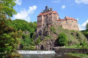 Die Burg Kriebstein thront als schönste Ritterburg Sachsens über dem Fluss Zschopau.